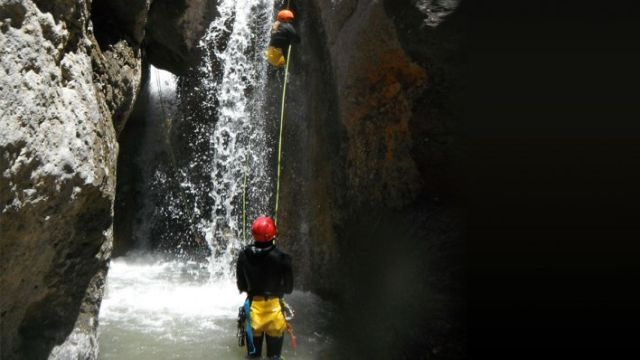 Pyérées canyoning + transport 4x4 Andorre