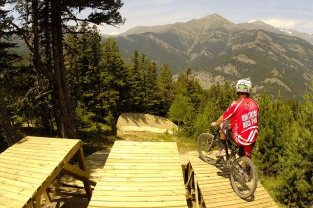 Bike Park Vallnord Forfaits + Option Location vélo DH